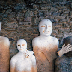 Group-of-Figures-stoneware-1996–1998
