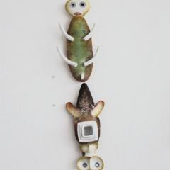 Z-cyklu-Brouci-porcelán-vh-48-cm-2006