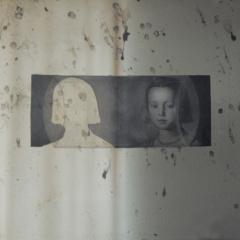 Innocence-III.-assemblage-28-x-37-cm-2002